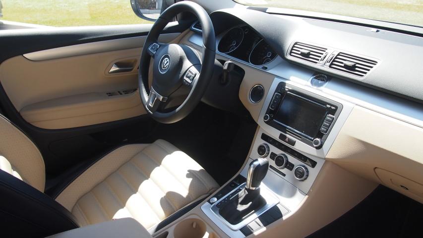 Volkswagen Passat CC dashboard
