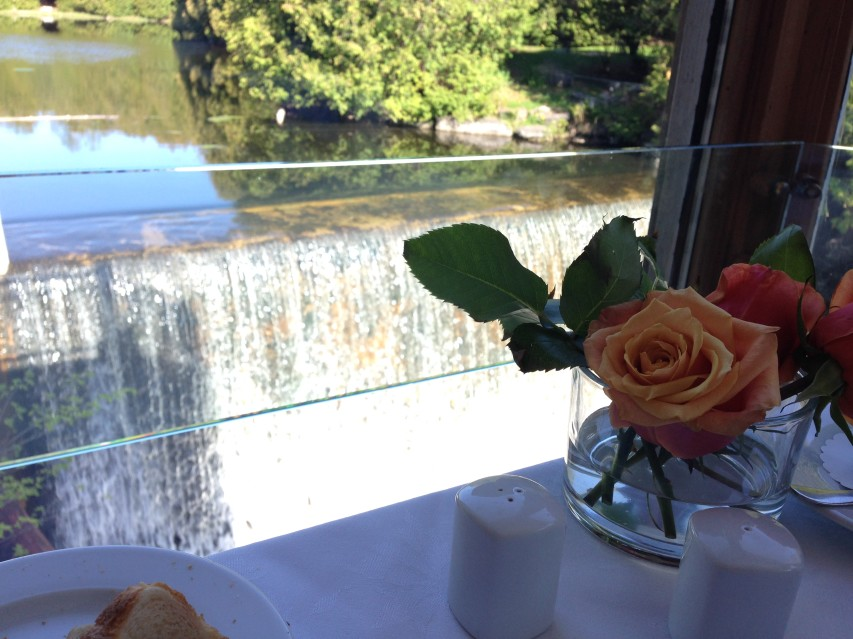 millcroft-inn-spa-brunch-waterfall