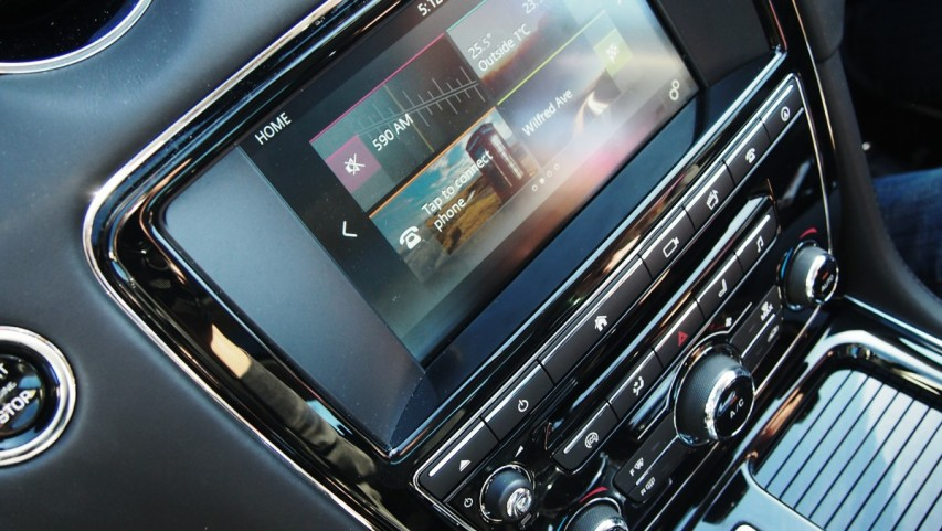 jaguar-xjl-reggie-ramone-huffington-post-incontrol-touch-screen